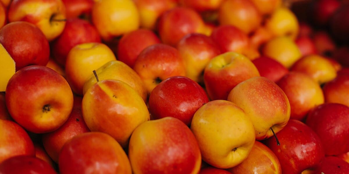 Gefüllte Bratäpfel in Mandelhülle
