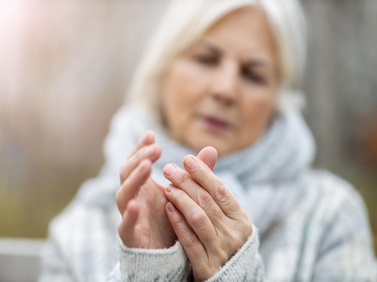 Kribbelnde Finger, taube Zehen – Was ist Polyneuropathie?